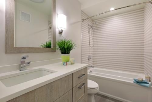 Lakeshore Oak Metro Bathroom